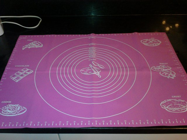 Massive Silicone Mat for fondant and pastry.